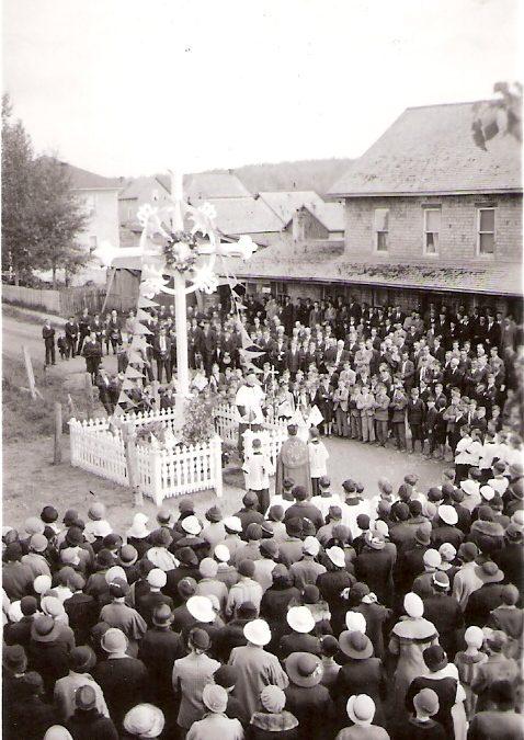 Bénédiction de la croix au ''4 Coins''